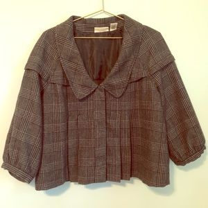 DKNY cropped pleated jacket with 3/4 sleeves